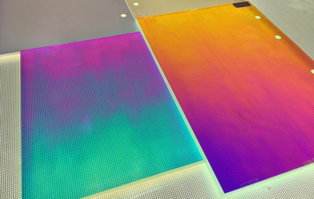 Dichroides Acryl als Plattenware für schillernsten Projekte?