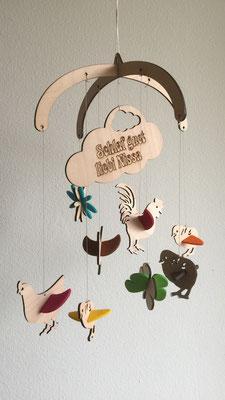 """Mobile """"Hühnerfamilie"""": Mobile aus Buchenholz mit farbigem Filz individuell zu Gestalten und mit Name"""