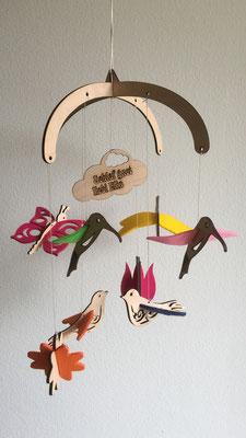 """Mobile """"Fliegende Tiere"""": Mobile aus Buchenholz mit farbigem Filz individuell zu Gestalten und mit Name"""