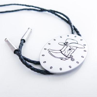 Gravur Wunschdesign auf Westernkrawatte (Bolo Tie) oval