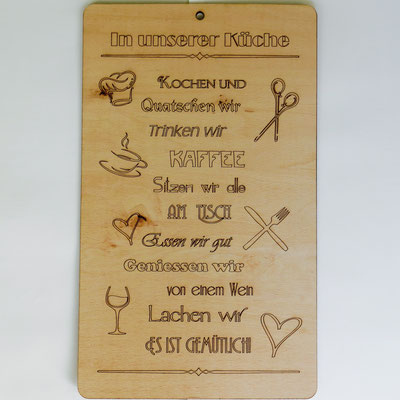 Schild aus Buchenholz mit persönlicher Lasergravur: Spruch und Gestaltung