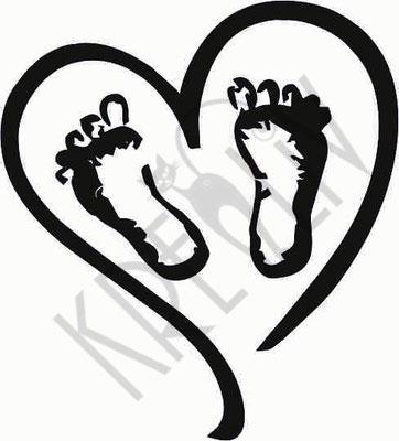 Herz mit Babyfüssen
