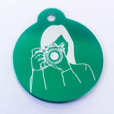 Schlüsselanhänger grün mit Lasergravur Fotografin