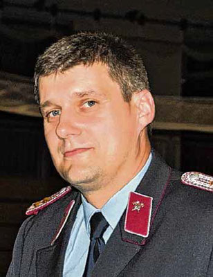 Clemens Köhler, hier in Feuerwehrmontur, berät die Verbandsgemeinde.