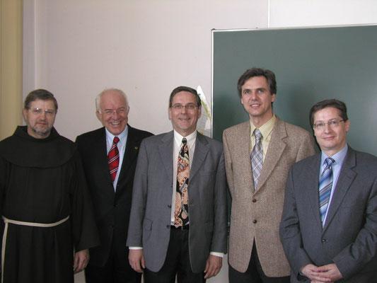 Besuch Landeshauptmann, 5.2.2007, Zusage Mitfinanzierung Schulumbau.P. Rupert Schwarzl (Provinzial), DDr. Herwig van Staa (Landeshauptmann), Mag. Gerhard Sailer (Direktor), Dr. Ludwig Spötl (Elternvereins), Mag. Plankensteiner (Landeschulinspektor)