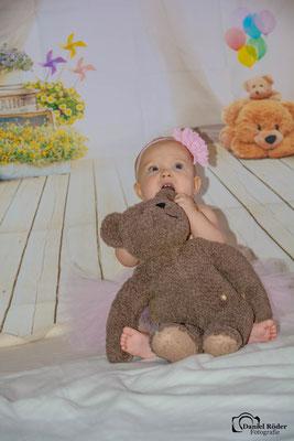 Newborn Emma 4