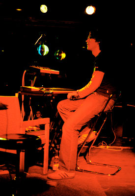 live at Scheune, Dresden 2005 (photo: Peter Seyfarth)