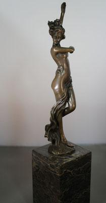 """Bronzen beeld """"Staand vrouwelijk naakt III""""   Van: 175,= euro   Nu te koop voor: 150,= euro"""