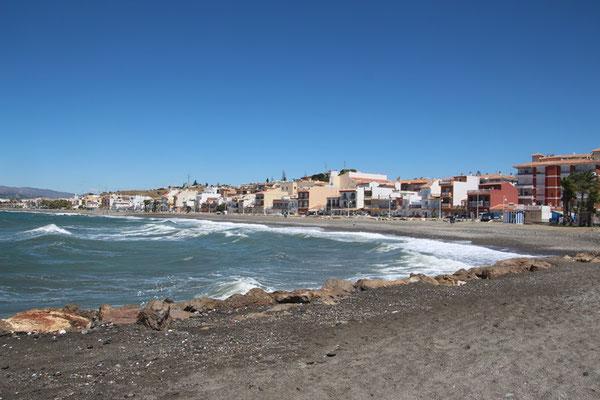 Küstenabschnitt von Algarrobo Costa