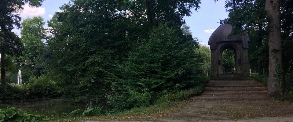 Der Park zum Schloss in Fürstenau, sehr schön angelegt.