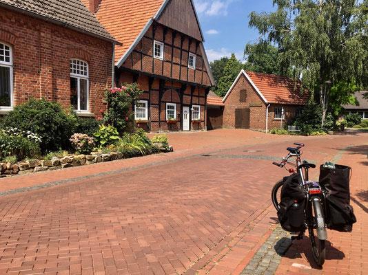 Sonne-Sonne-Sonne & kleine Dörfer...