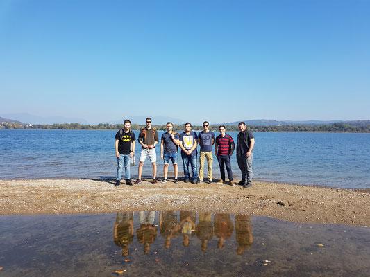 Klassenfoto am Lago Maggiore