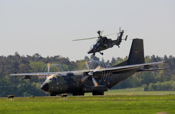 Transall und Tiger bei einer Vorführung der Bundeswehr