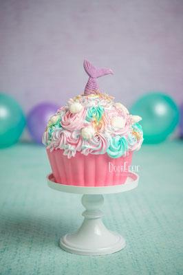 Giant cupcake, smashcake met zeemeermin staart