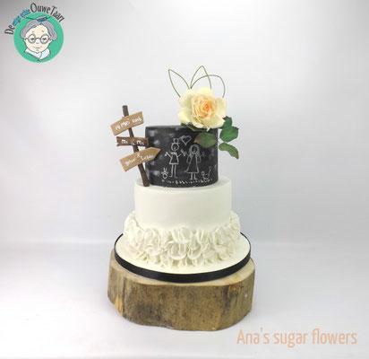 Krijtbord bruidstaart met suikerbloemen