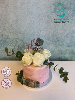 Sharp edges taart met echte rozen