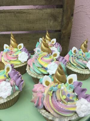 Unicorn cupcakes met Swirl