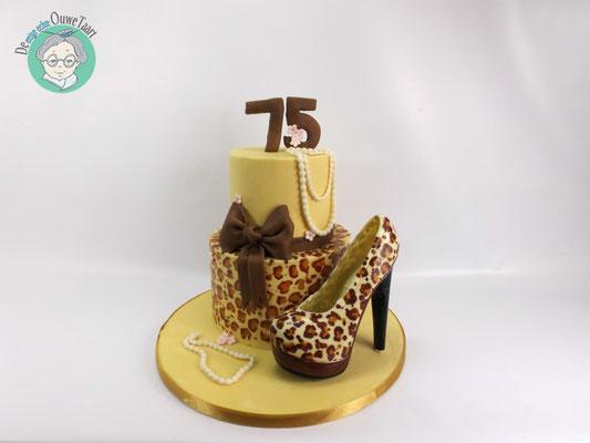 Panterprint taart met panter print chocolade schoen