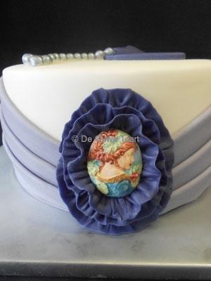Vintage taart broche