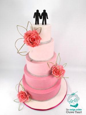 Ombre roze bruidstaart 5 lagen