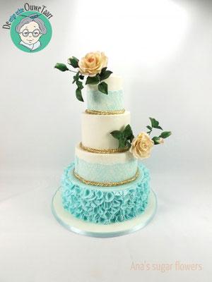 Bruidstaart met suikerbloemen, 4 laags bruidstaart met zeegroen