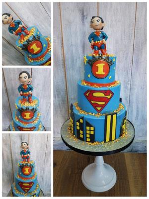 Super man taart 3 lagen taart