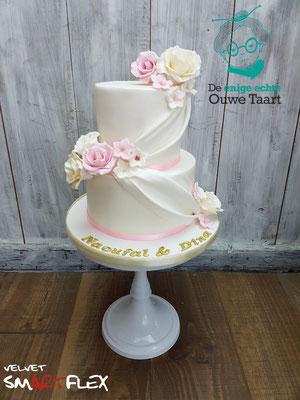 Drapperie bruidstaart met fondant rozen