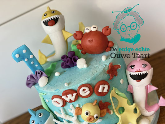 Babyshark taart #babyshark #buttercreamcake #sharkcake #babysharktaart