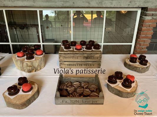 Sweet table met entremet en cakepops