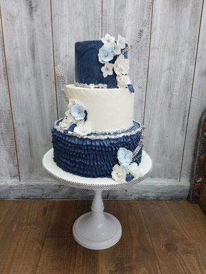 3 laags koningsblauwe taart