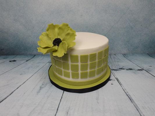 strakke taart met modeling chocolat bloem
