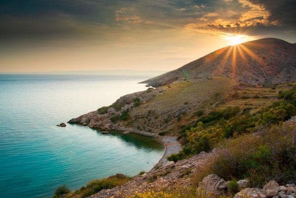 Bucht nahe Stara Baska, Insel Krk. Erlebe Deinen exklusiven Urlaub in Kroatien! In Deiner Reiserei, Reisebüro in Berlin & Brandenburg