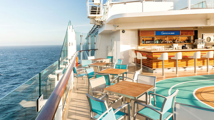 Überschau-Bar auf der Mein Schiff 5 von TUI Cruises