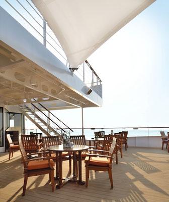 Außenterrasse auf der MeinSchiff Herz, von TUI Cruises