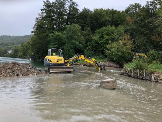 Renaturierung Sulzerbach und Schaffung von Kiesbänken für Kieslaicher. August 2020. (Foto PC)
