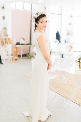 Robe de mariée dos en dentelle et crêpe