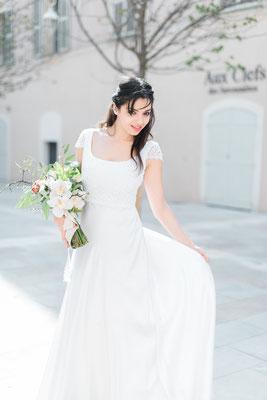 Robe de mariée guipure perlé et satin de soié