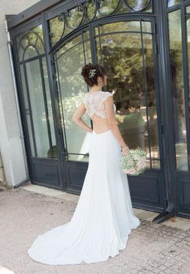 robe de mariée romantique chic, dentelle de Calais et crêpe