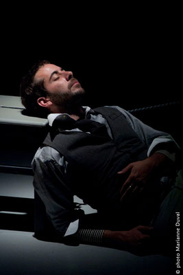 Pierre Antoine Lafond Simard - Écume- Théâtre du Trillium – Nouvelle Scène - Photo Marianne Duval