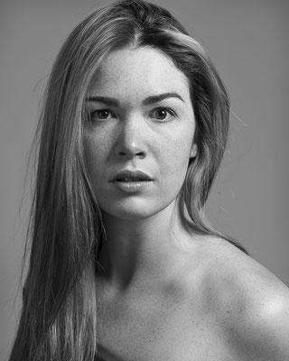 Portrait d'artiste, mon studio à Gatineau; 2014; cliente: Jasmine Delage; éclairage studio; rôle: direction, éclairage, photographie et post-production.