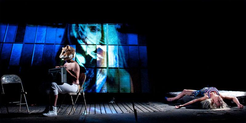 Pierre Antoine Lafond Simard, Geneviève Couture - Déluge- Théâtre du Trillium - Nouvelle Scène - Photo Marianne Duval