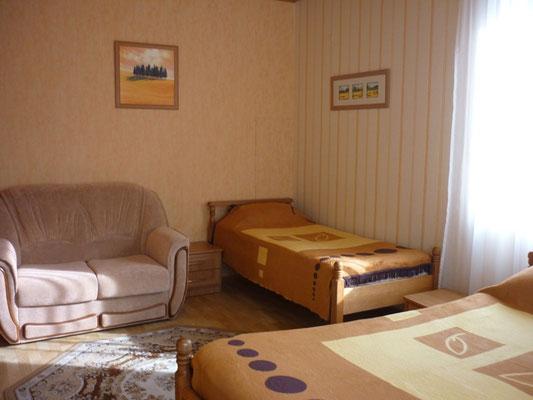 """Комната № 6 - Гостевой дом """"Сибирь"""" - Лазаревское"""