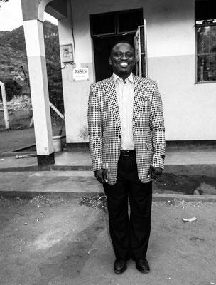 Lehrer Mr. Mtango