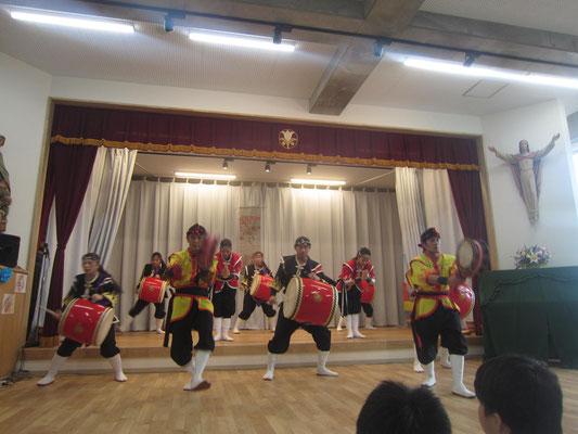 琉球舞団 昇龍祭太鼓の演奏