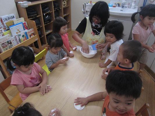 米粉粘土を作るよ~!