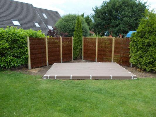 Unterkonstruktion für Gartentisch und Stühle