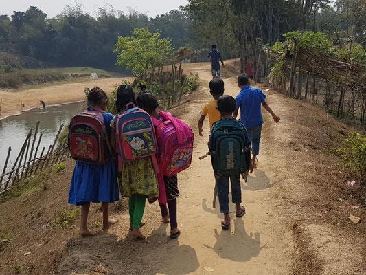 Enfants au retour de l'école
