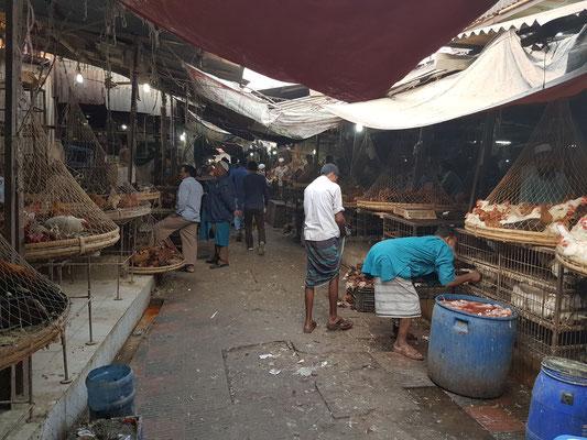 Sur un marché à Dhaka