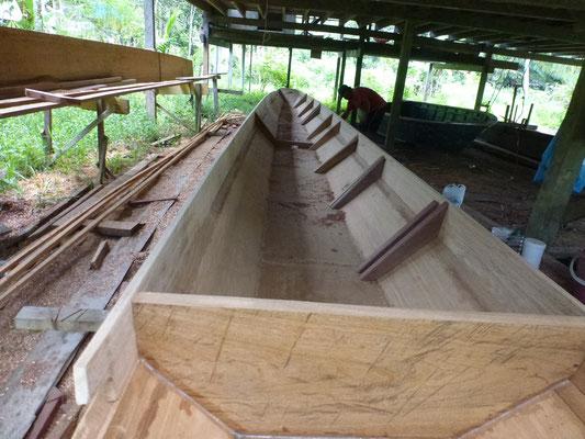 Fabrication artisanale des bateaux