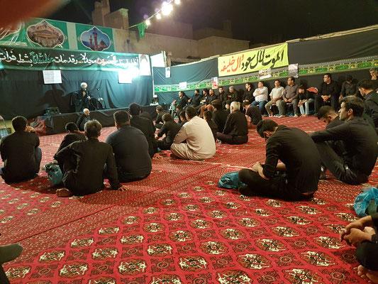 Une partie des fidèles pendant le prèche de l'Imam